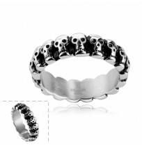 Men's 316L Stainless Steel Circle Ring of Skull Heads